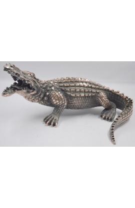 Фигурка под бронзу Крокодил.