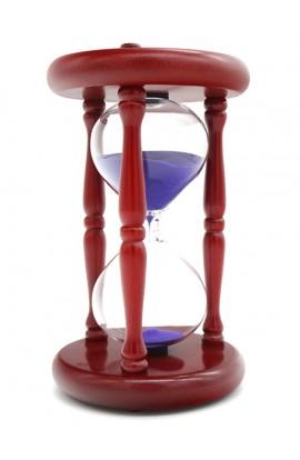 Часы песочные деревянные интервал 15 минут высота 17 см.
